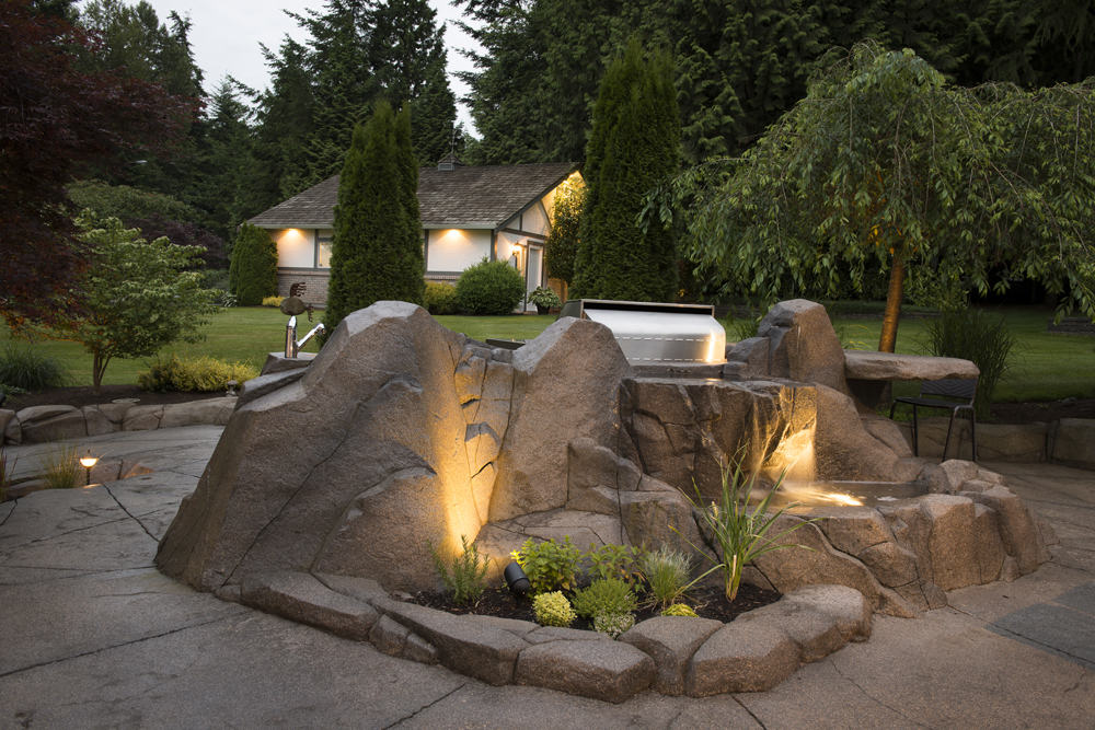 Concrete planter with backlighting