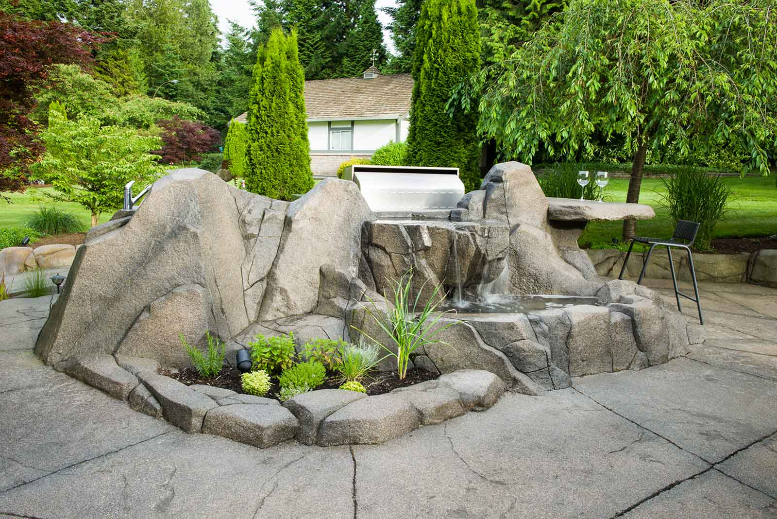 Artificial concrete rock work