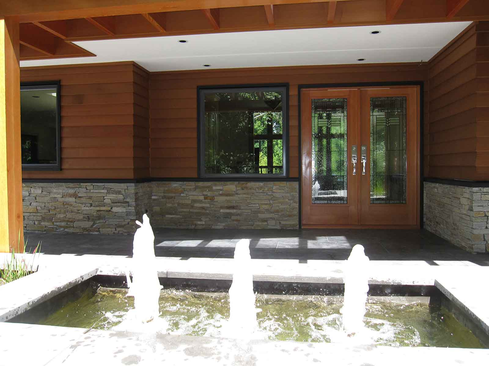 Elegant front door water feature