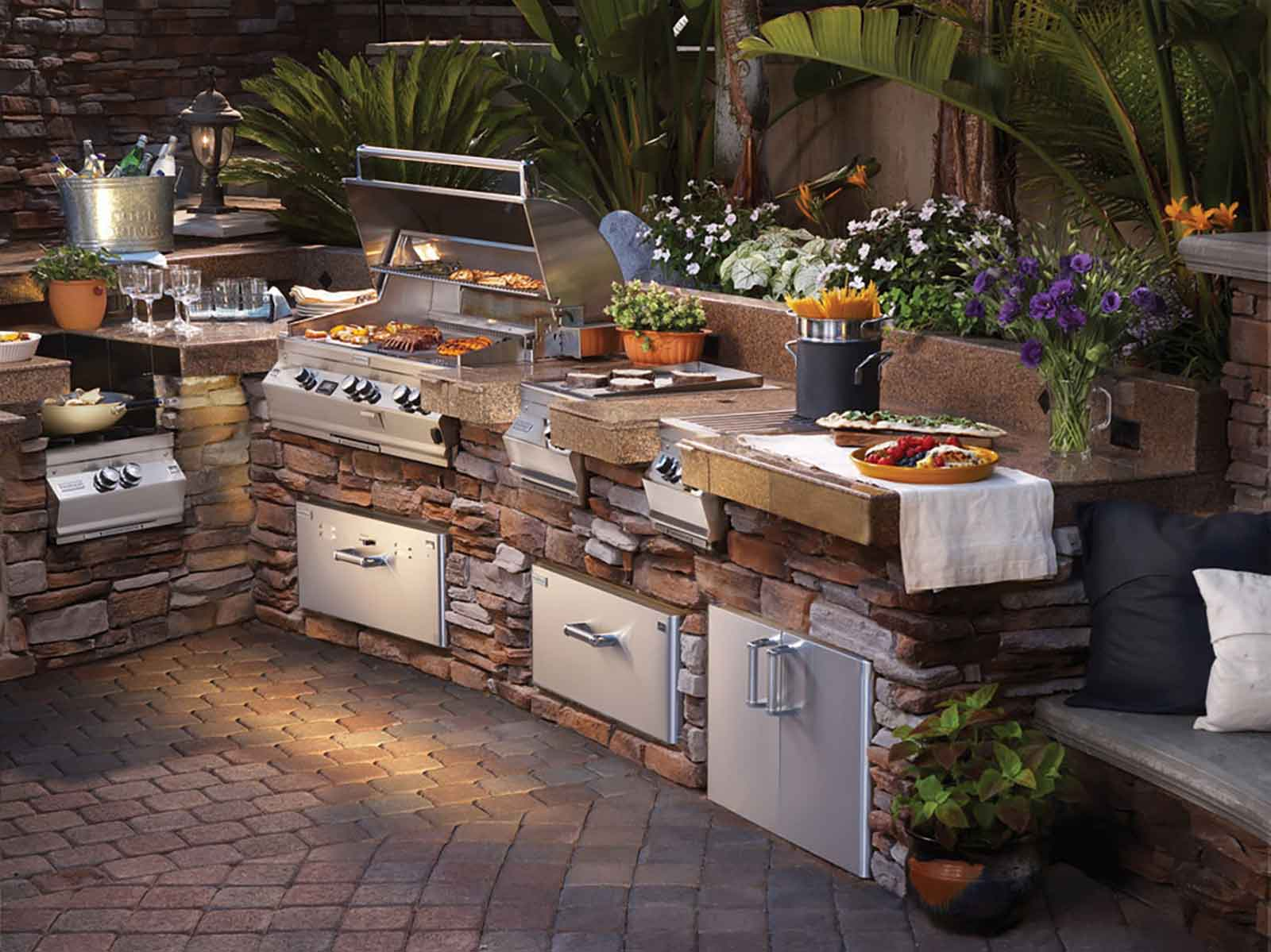 Gourmet outdoor kitchen with build-in appliances