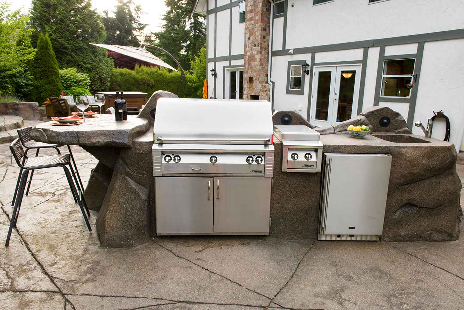 Luxury stainless steel outdoor kitchen