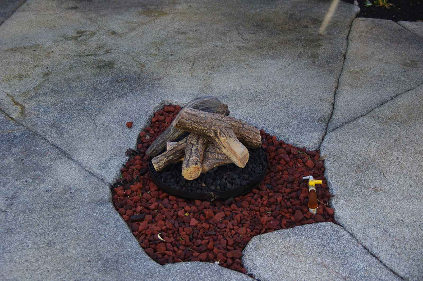 In-ground outdoor gas fire pit