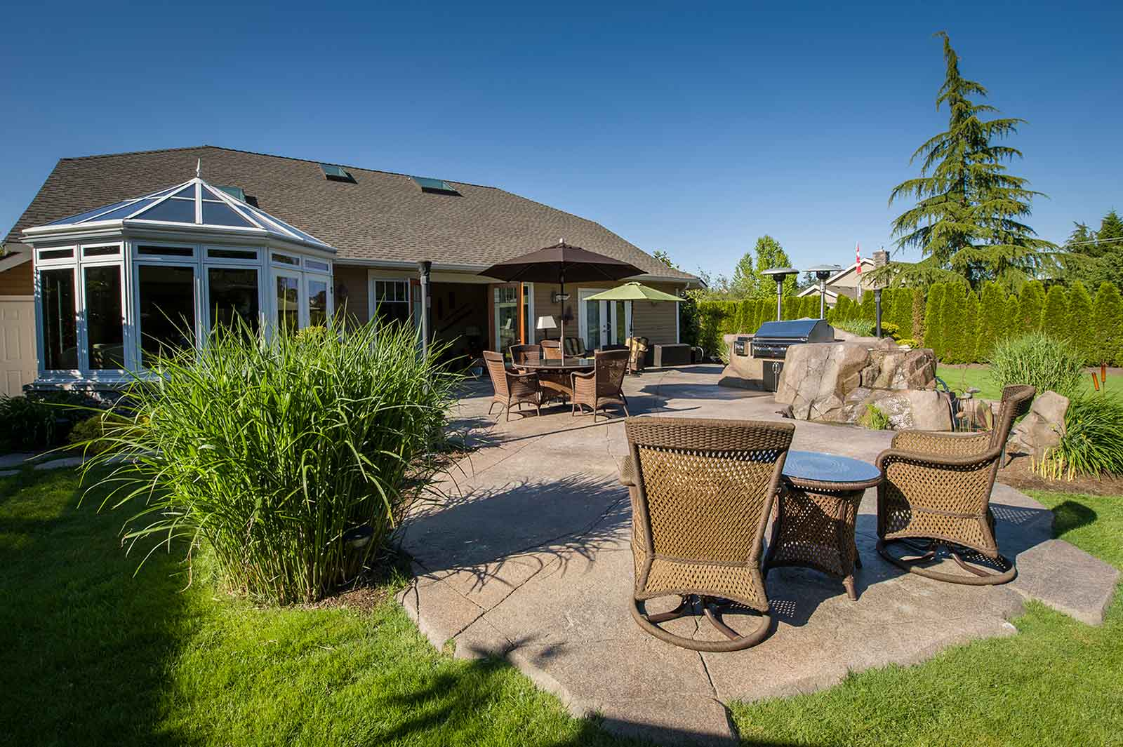 Beautiful backyard patio design
