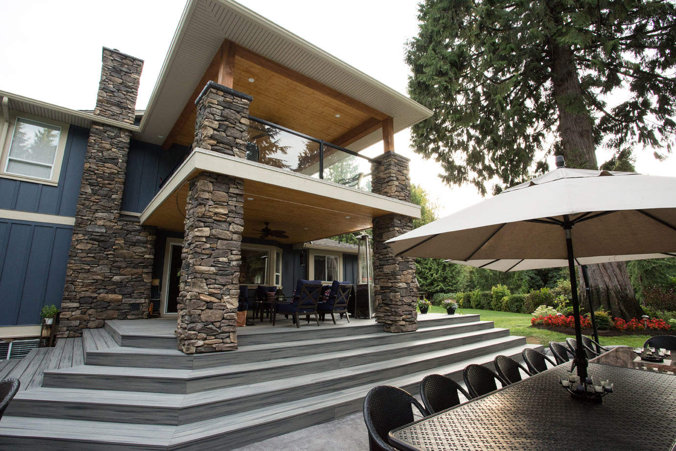 Beautiful outdoor covered patio