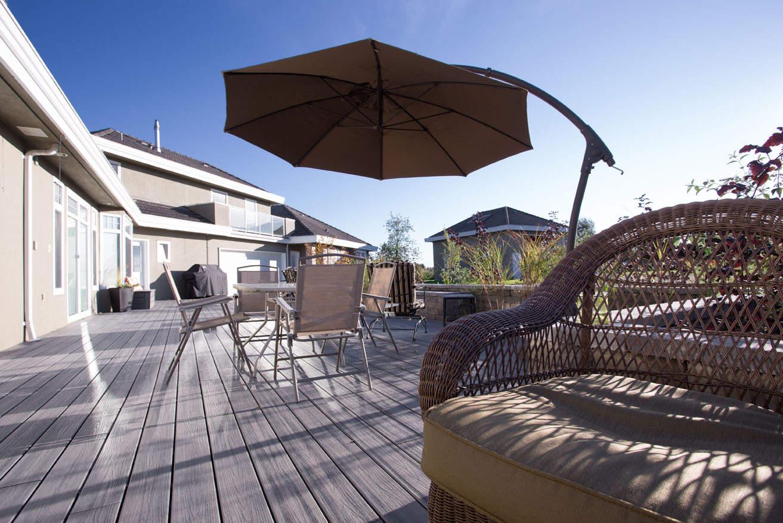 Beautiful backyard deck