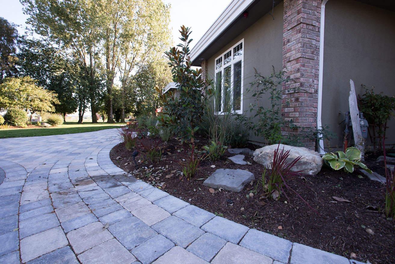No-maintenance custom concrete walkways