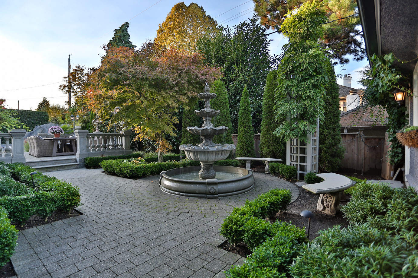 Elegant multi-tiered water fountain