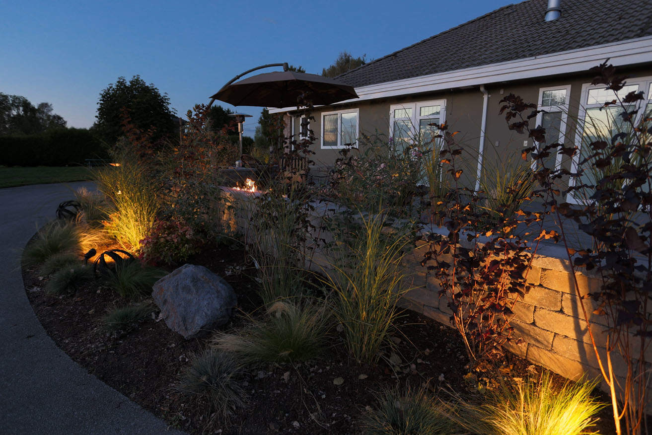 Garden bed lighting
