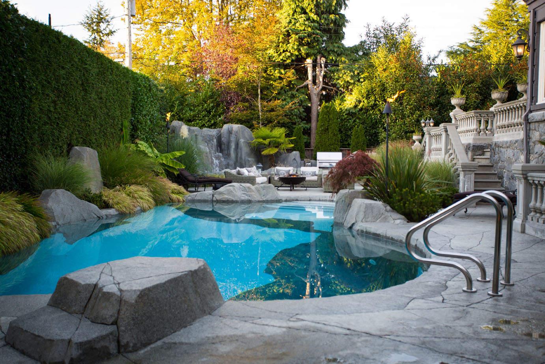 In-ground-concrete-swimming-pool-Cha016 - Azuro Concepts
