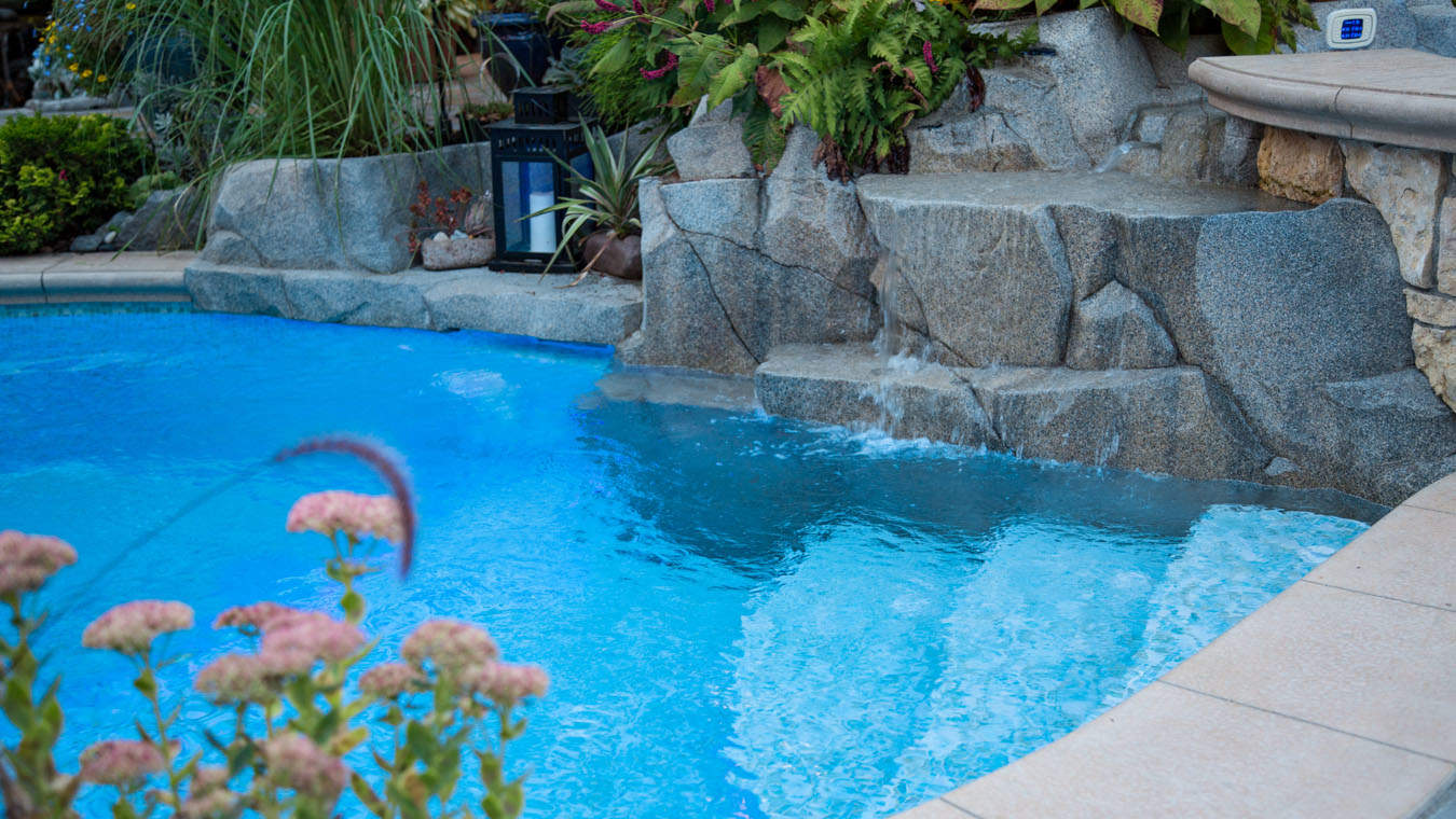 Success story backyard jewel azuro concepts for Outdoor swimming pool