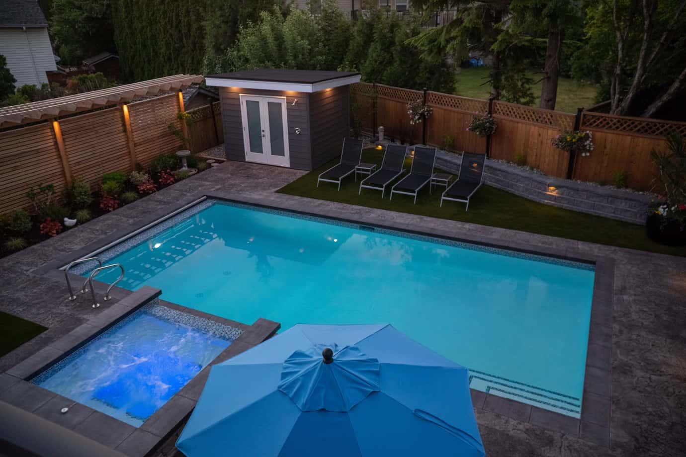 custom-swimming-pool-azuro-Hor23