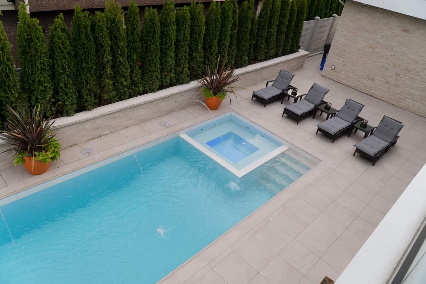 custom-swimming-pool-azuro-Nic23