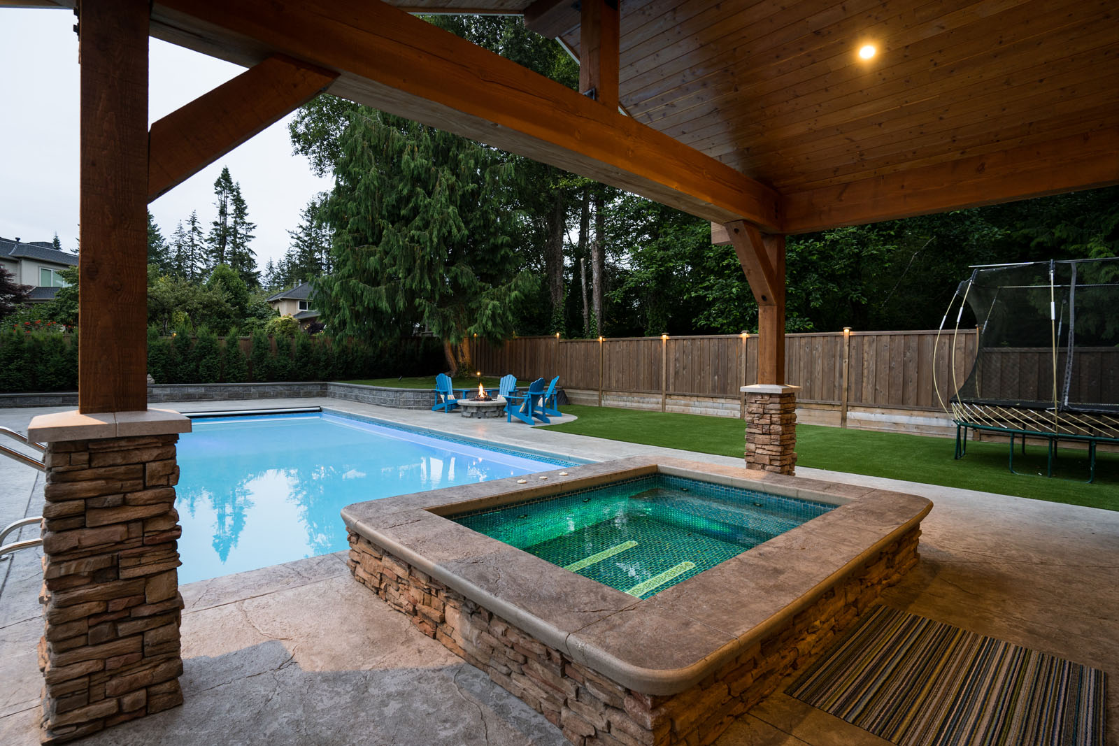 concrete-hot-tub-azuro-LEH024